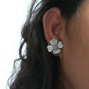 Vintage Crown trifari dogwood flower  earrings